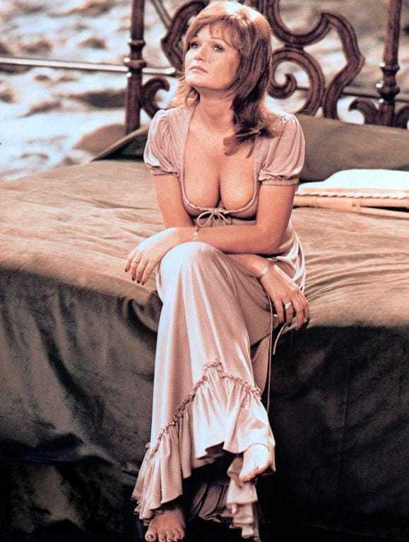 Valerie Perrine cleavage