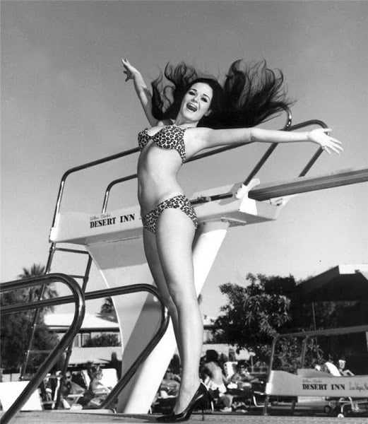 Valerie Perrine hot bikini