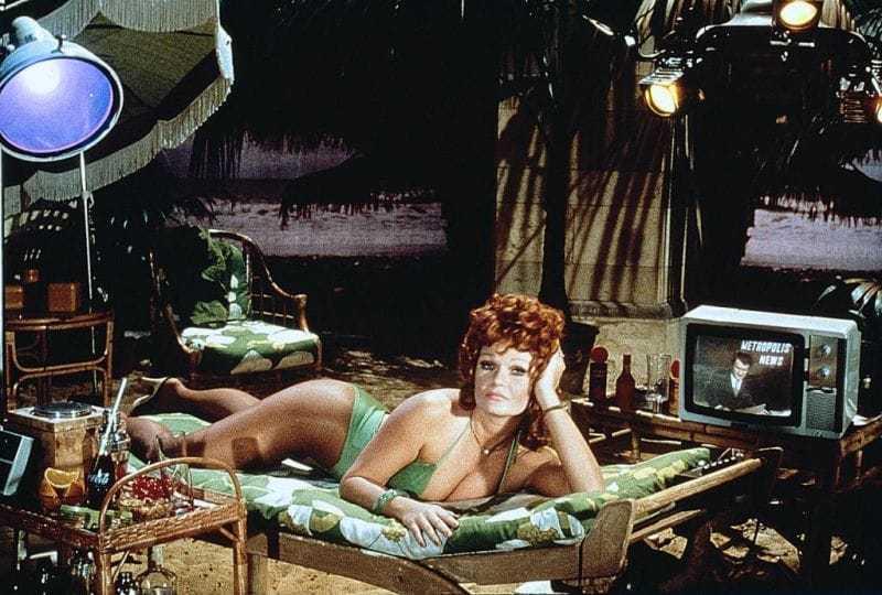 Valerie Perrine sexy bikini