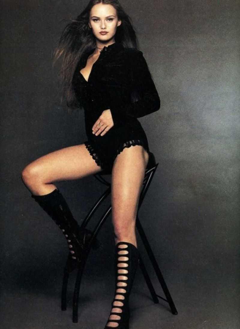 Vanessa Paradis bare feet