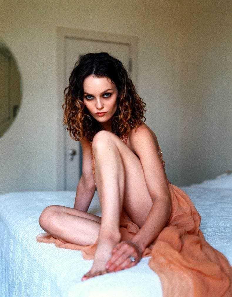 Vanessa Paradis feet