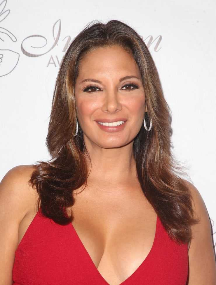 alex meneses sexy cleavage