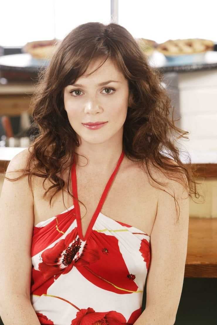 anna friel hot pictures
