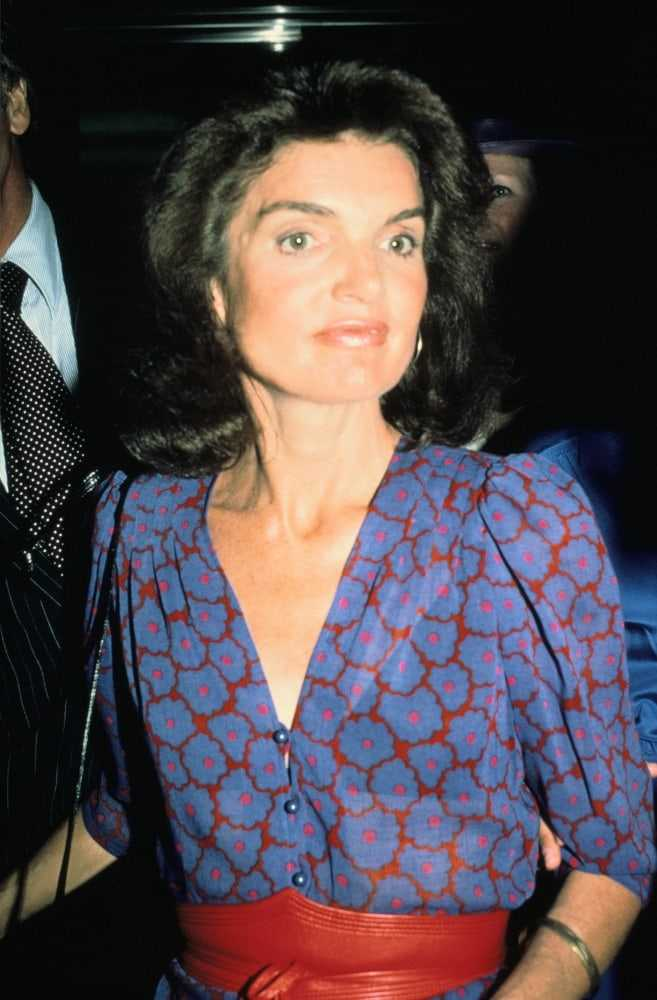 jacqueline kennedy onassis cleavage
