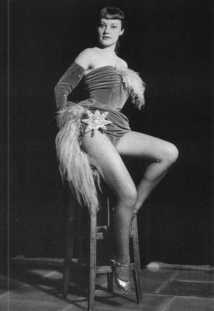 Moreau  nackt Jeanne Jeanne Goursaud