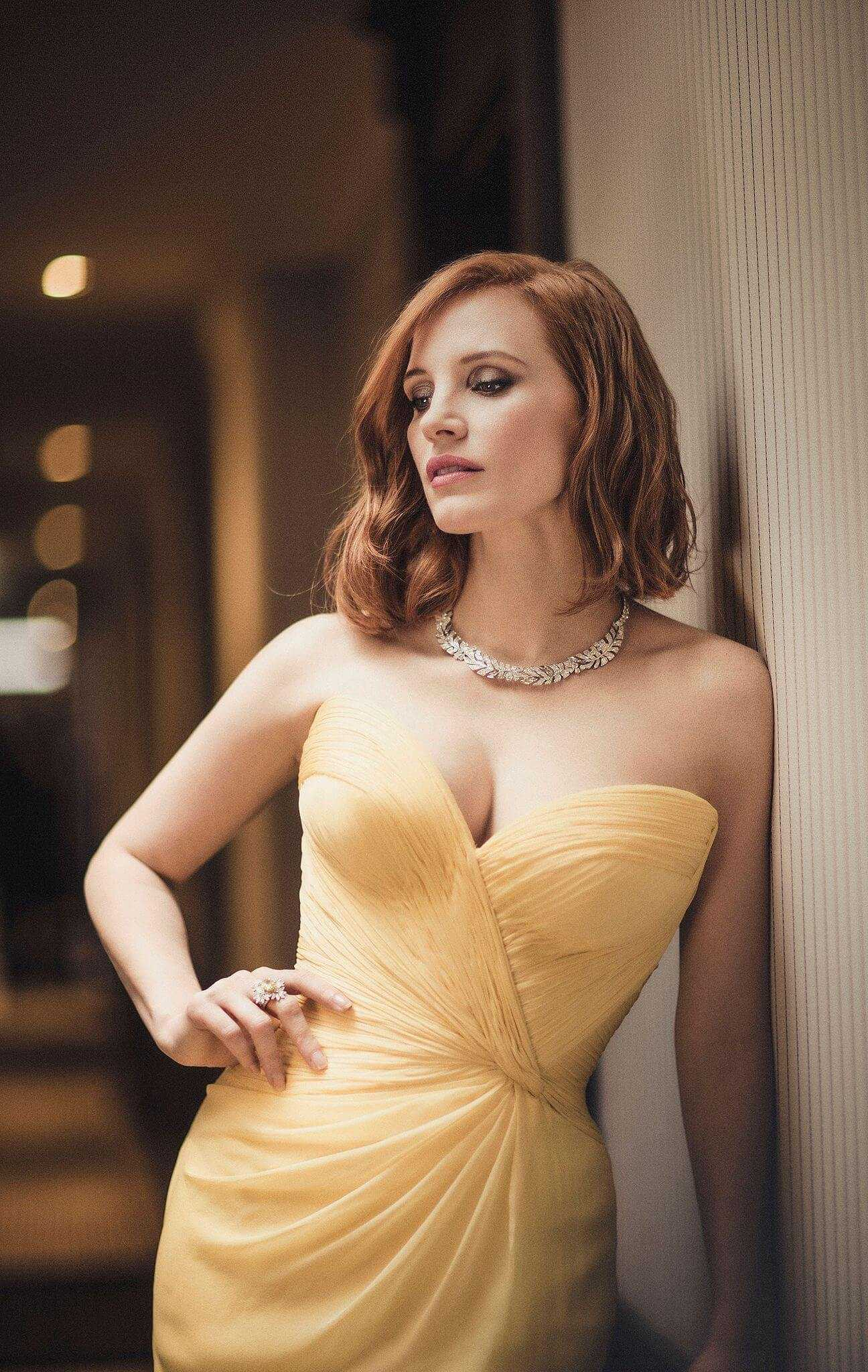 jessica chastain looking hot