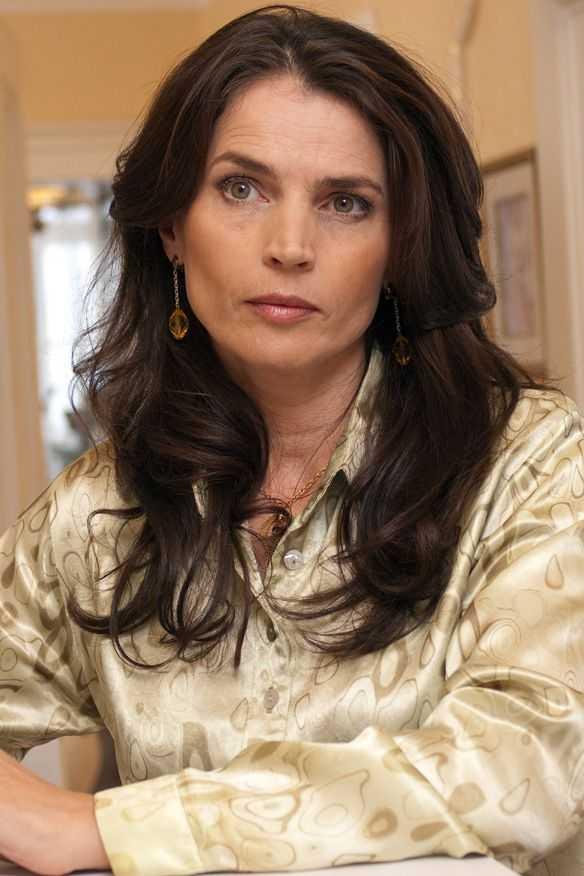 julia ormond stunning