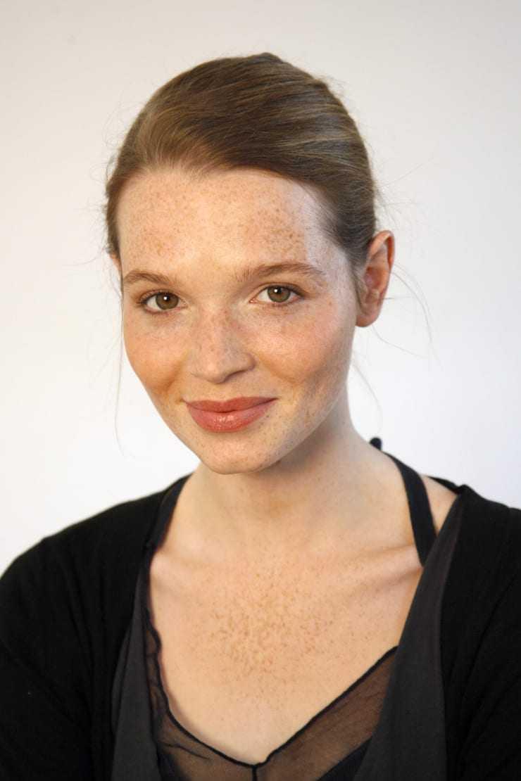 karoline herfurth smile pics