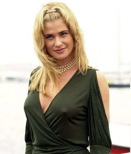 Kristy Swanson compares family separations to divorce |Kristy Swanson Weight Gain