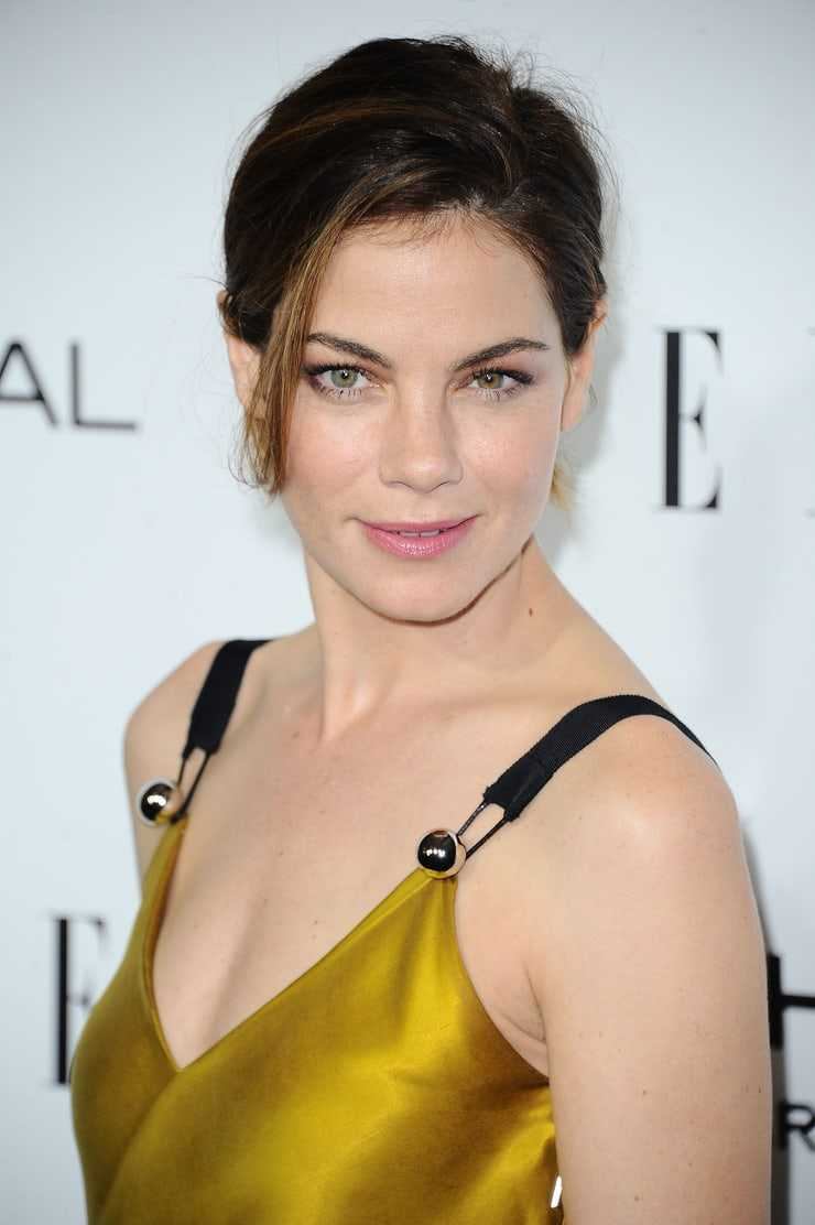 michelle monaghan cleavage photo
