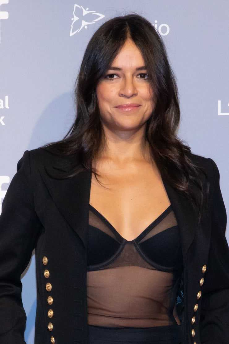 michelle rodriguez looking sexy