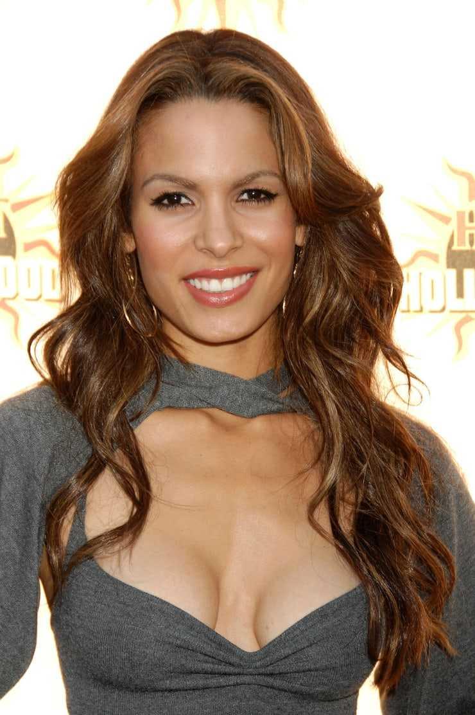 nadine velazquez sexy cleavage