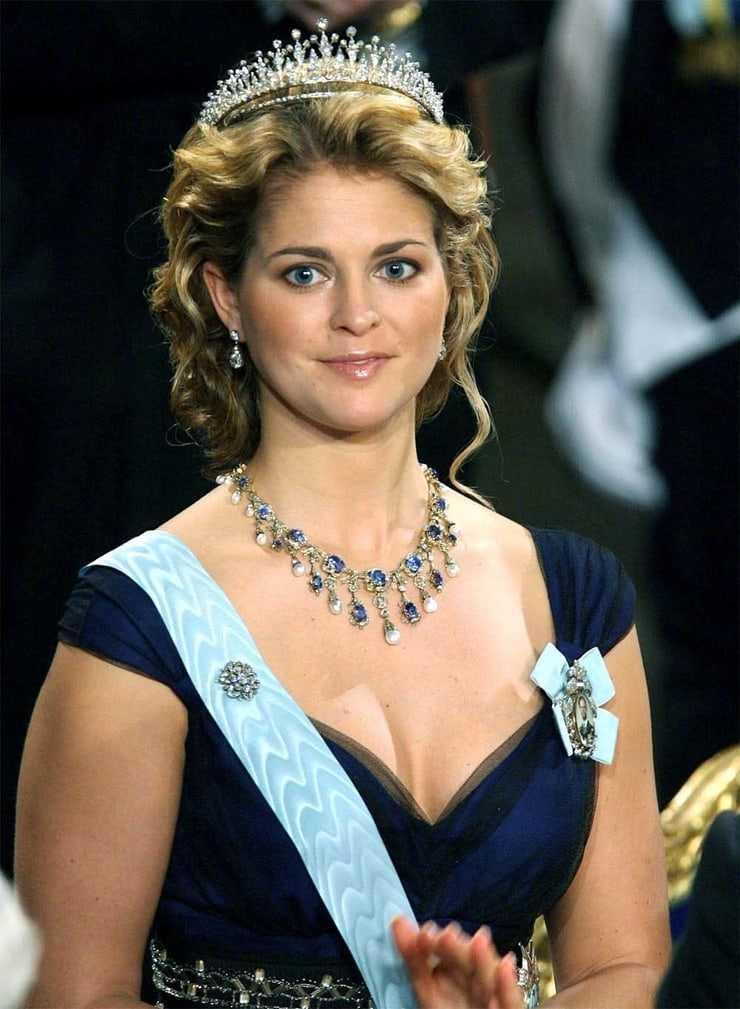 princess madeleine, duchess of halsingland and gastrikland sexy cleavage