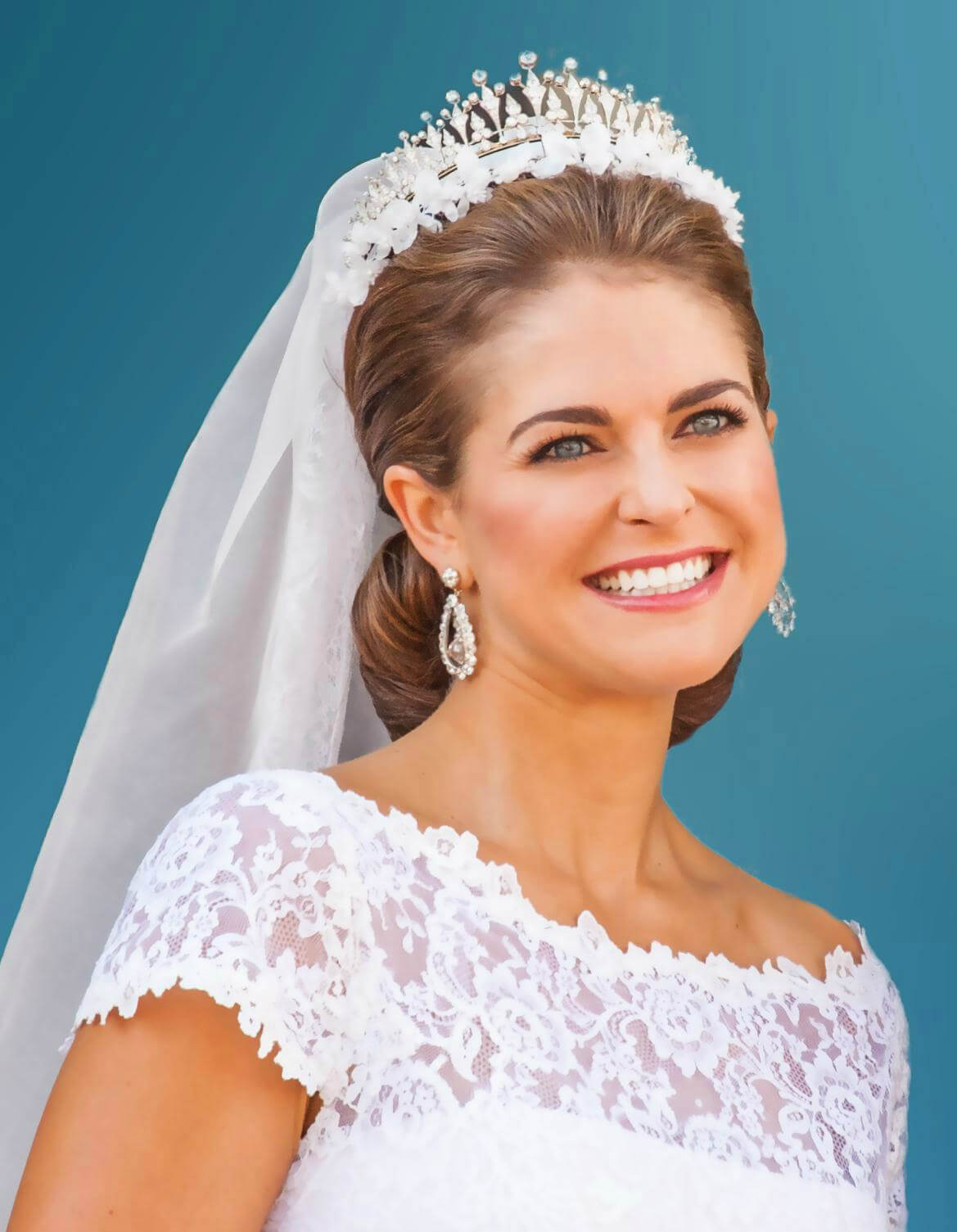 princess madeleine, duchess of halsingland and gastrikland wedding dress