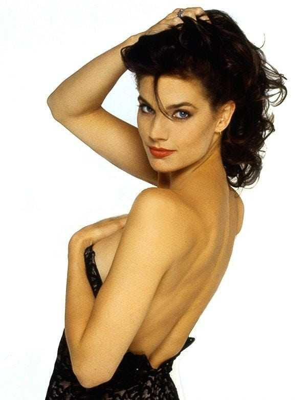 terry-farrell-back