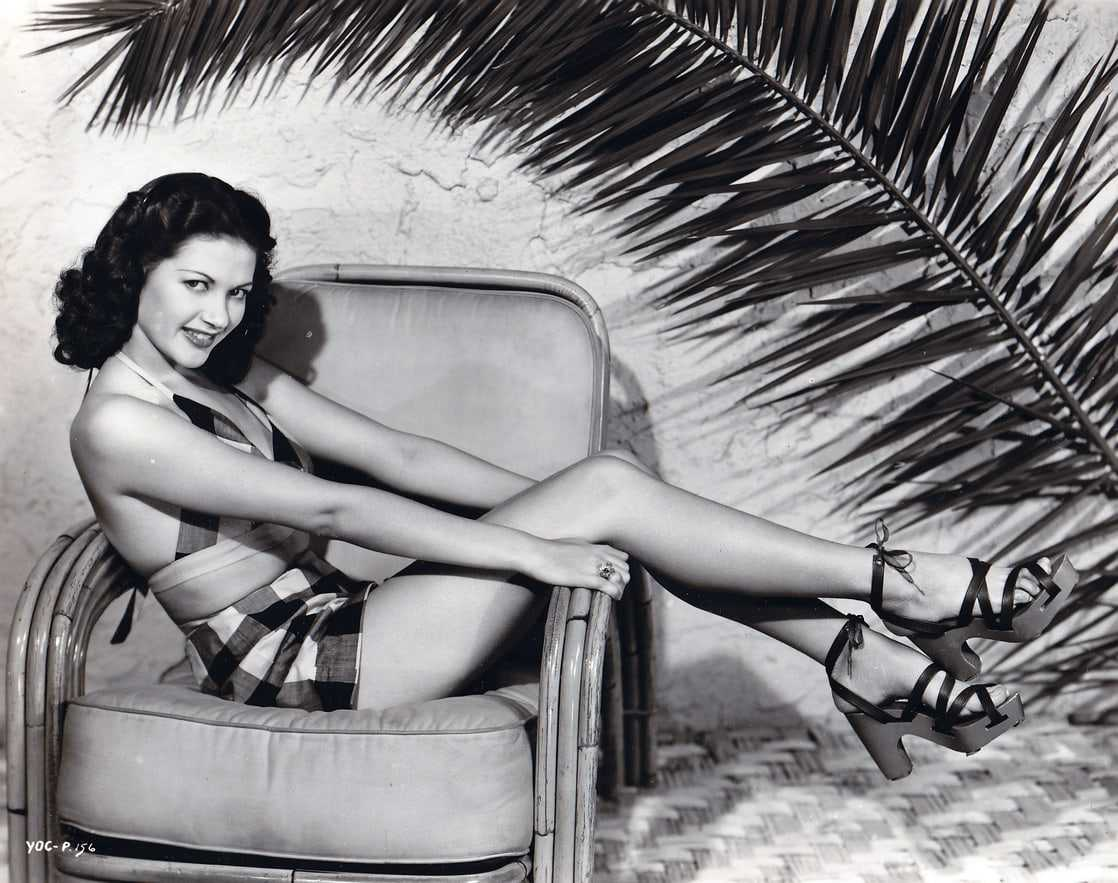60+ Hot Pictures Of Yvonne De Carlo Which Will Make You