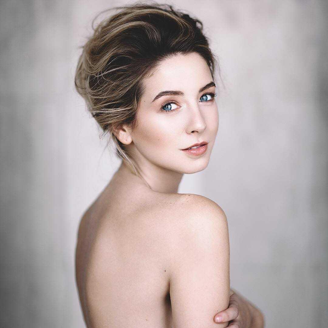 zoella near-nude