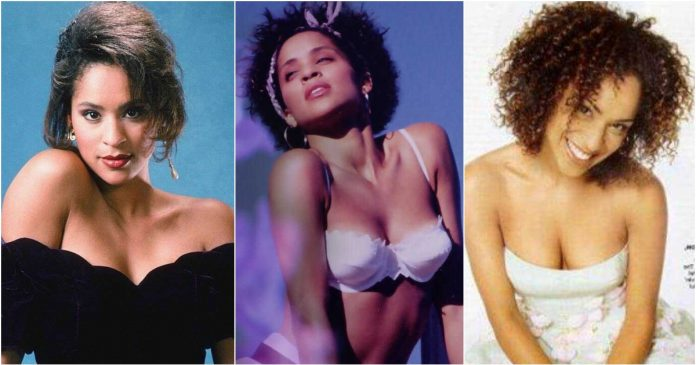 61 Karyn Parsons Sexy Pictures Are An Appeal For Her Fans