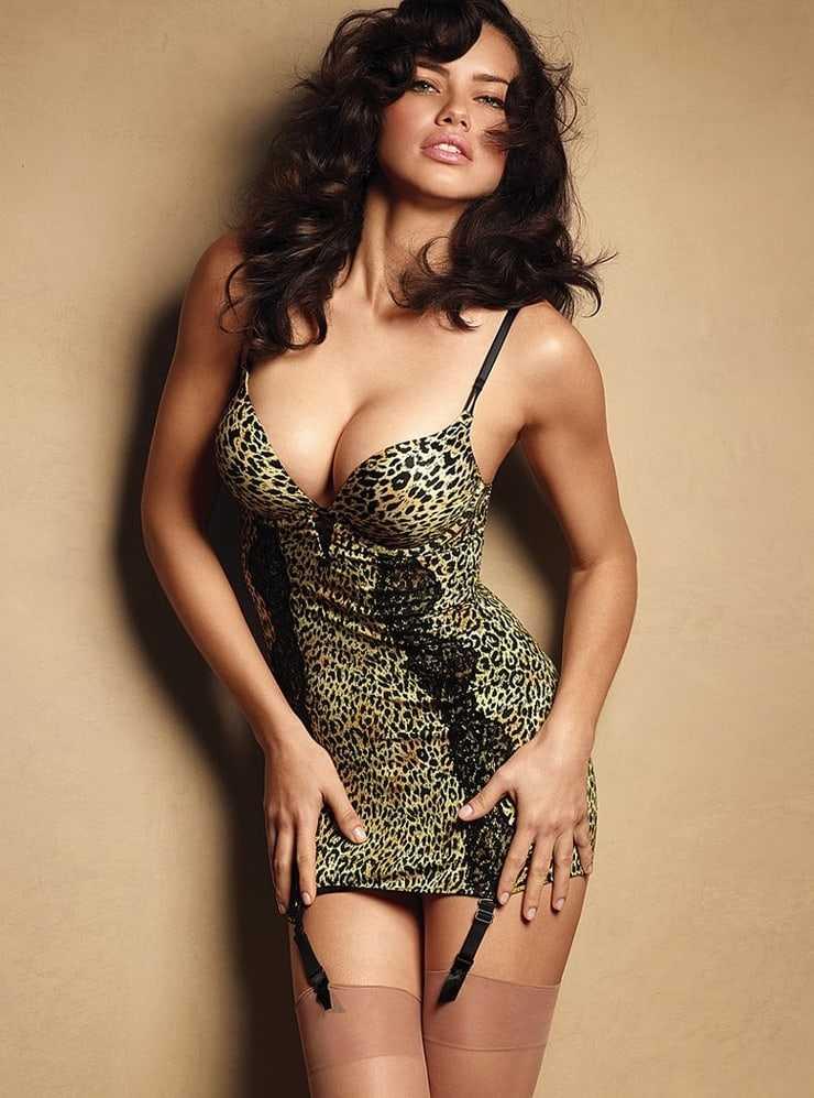Adriana Lima cleavage
