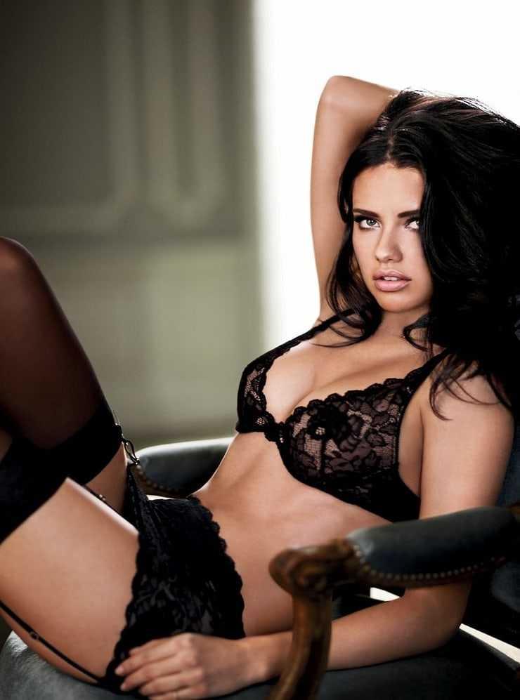 Adriana Lima hot bikini