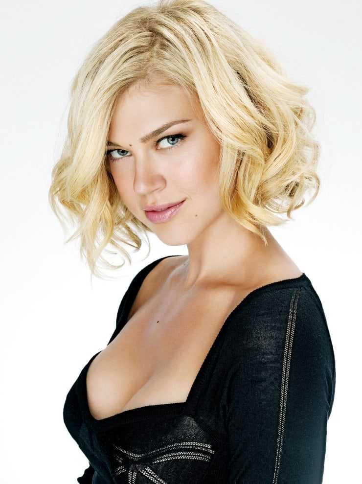 Adrianne Palicki boobs cleavage
