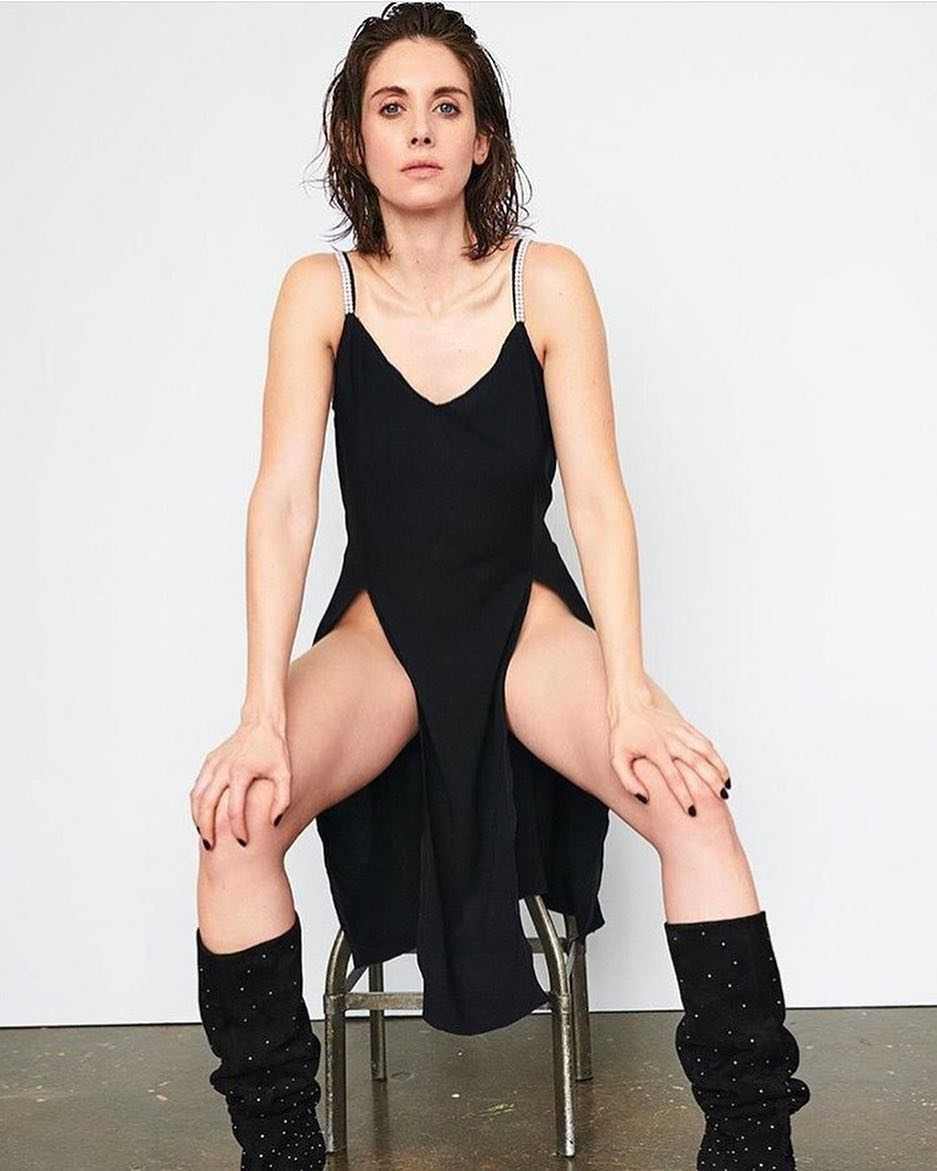 Alison Brie hot photos (1)