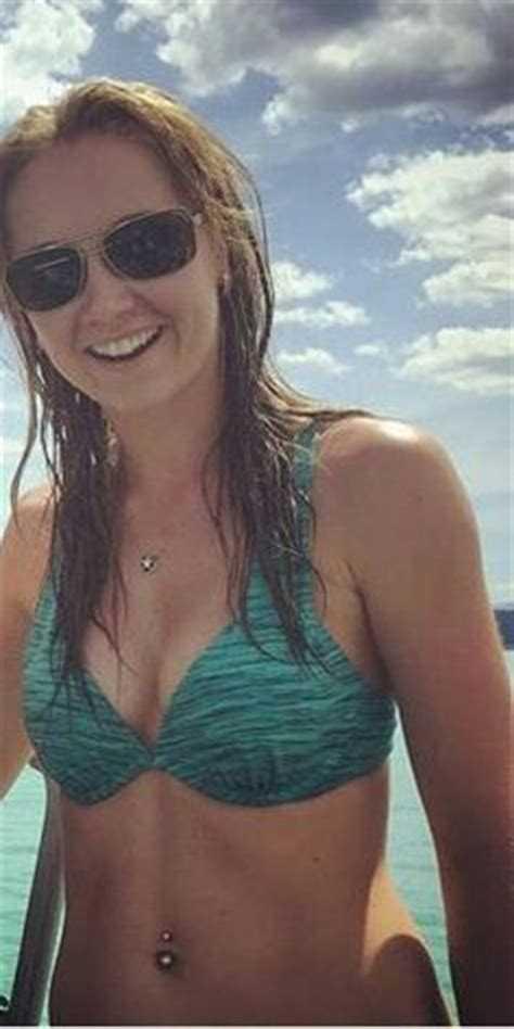 Amber Marshall hot bikini