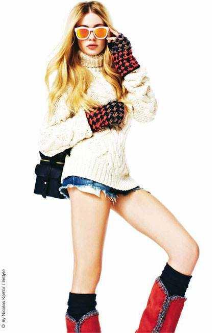 Amelie Klever hot legs
