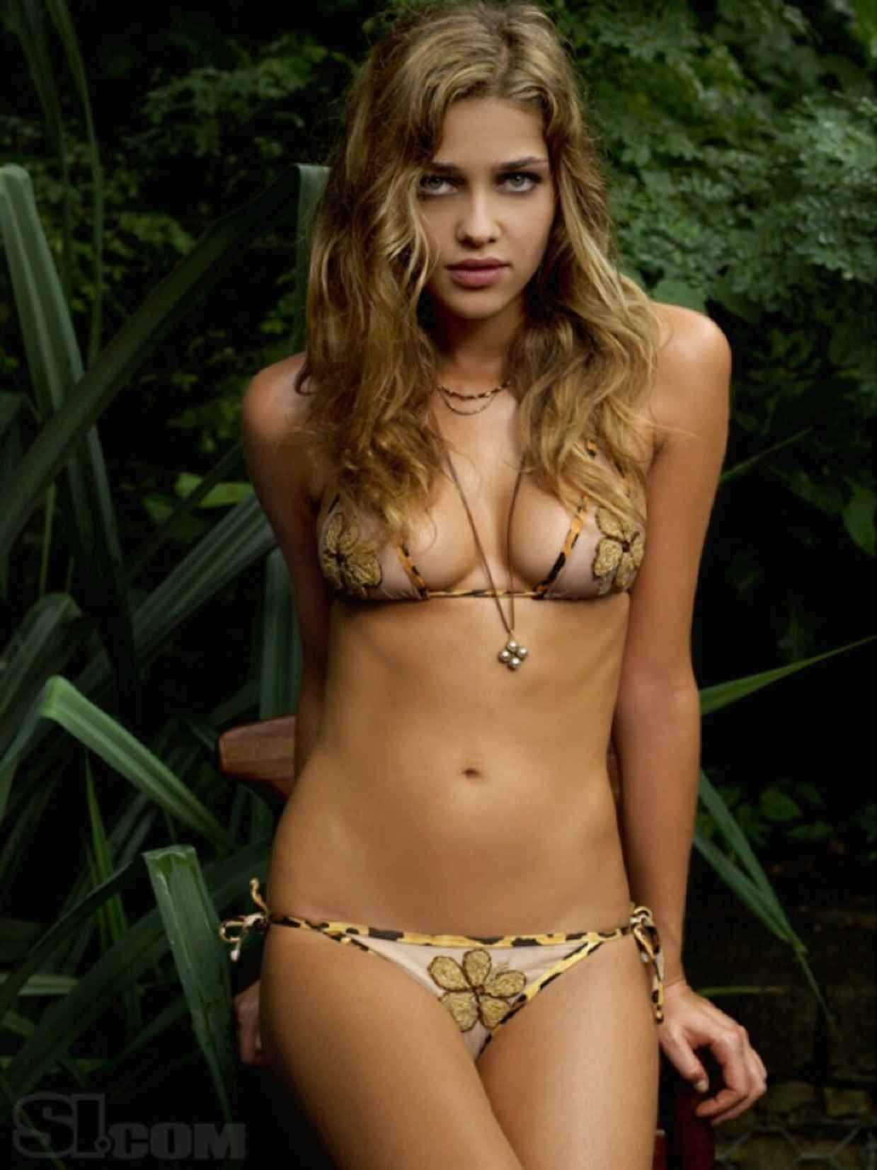 Ana Beatriz Barros sexy (2)