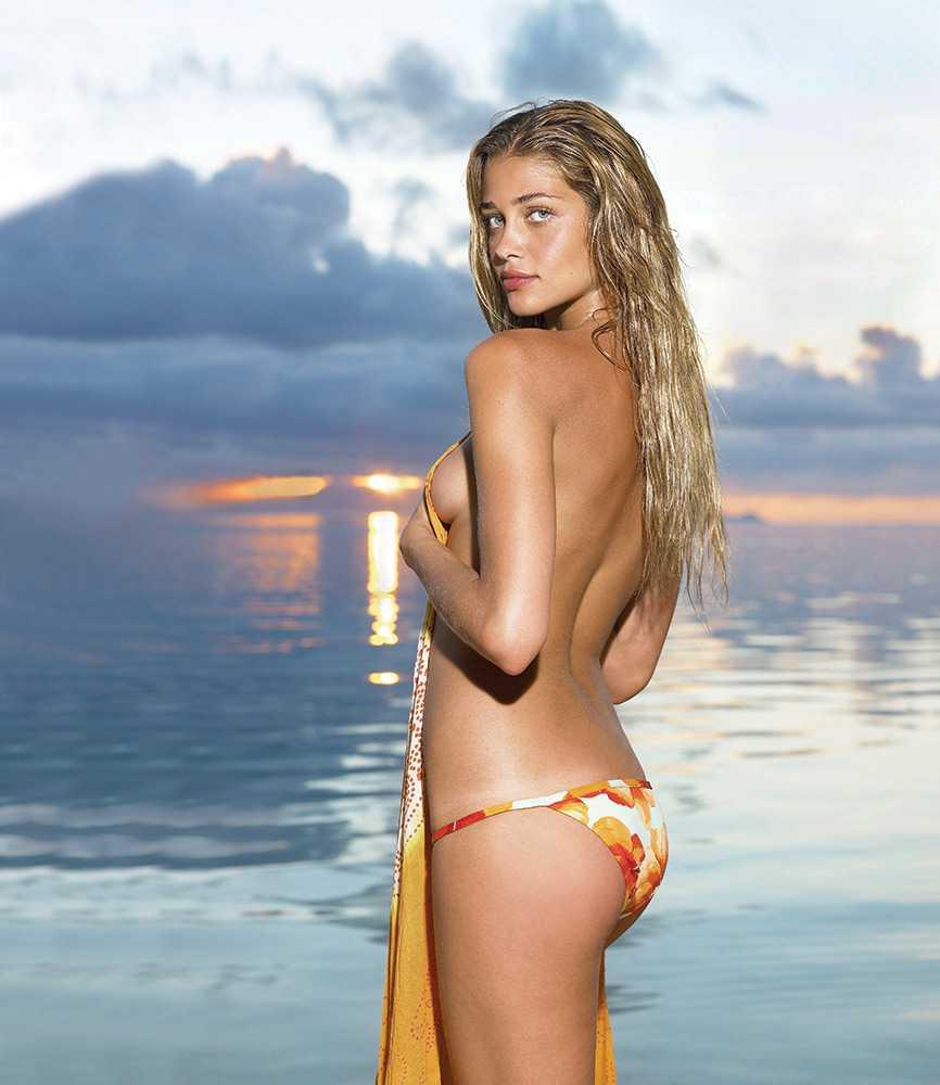 Ana Beatriz Barros topless pic