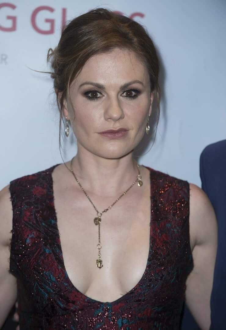 Anna Paquin big boobs cleavage