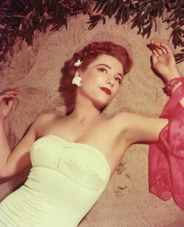 Anne Baxter hot