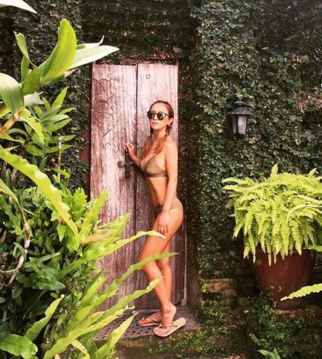 Ayumi Hamasaki bikini