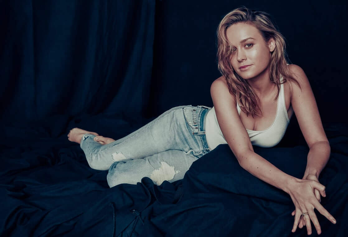 Brie-Larson-sexy-jeans-pic