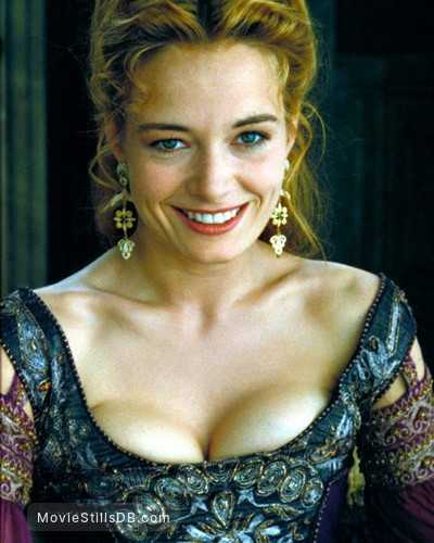 Catherine McCormack sexy cleavage