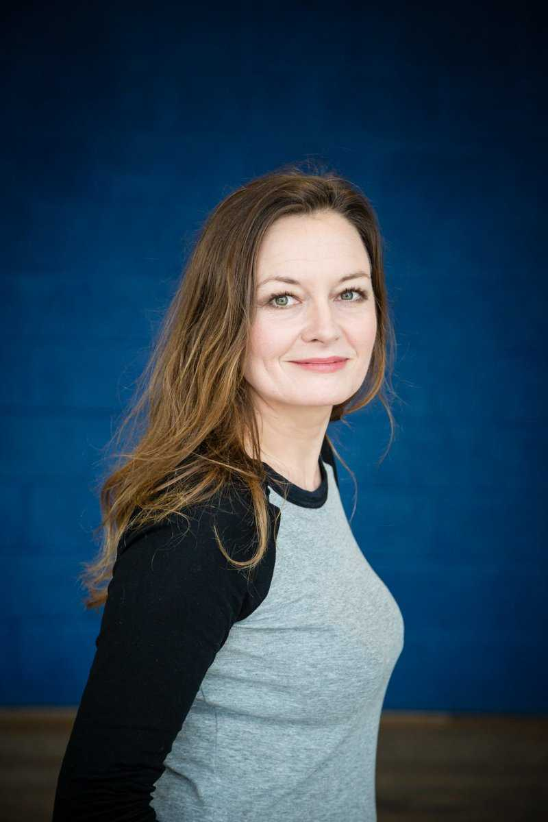 Catherine McCormack smile