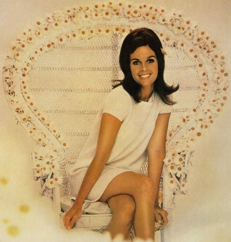 Claudine Longet hot photo