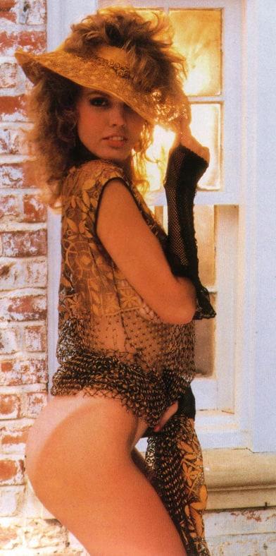 Donna Edmondson side pose