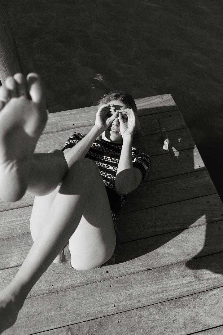 Dree Hemingway feet
