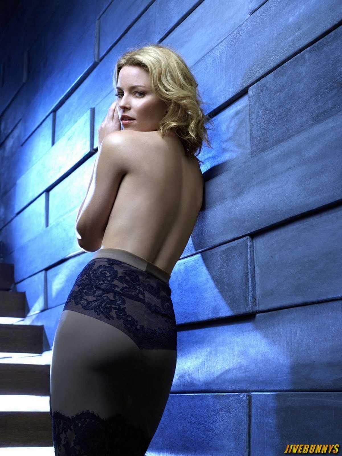 Elizabeth Banks topless