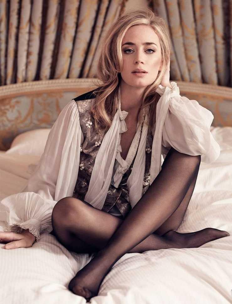 Emily Blunt sexy photos
