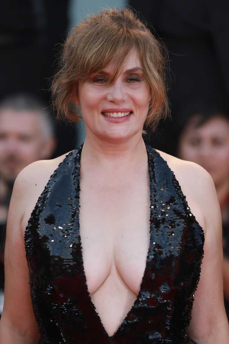 Emmanuelle Seigner hot cleavage pic