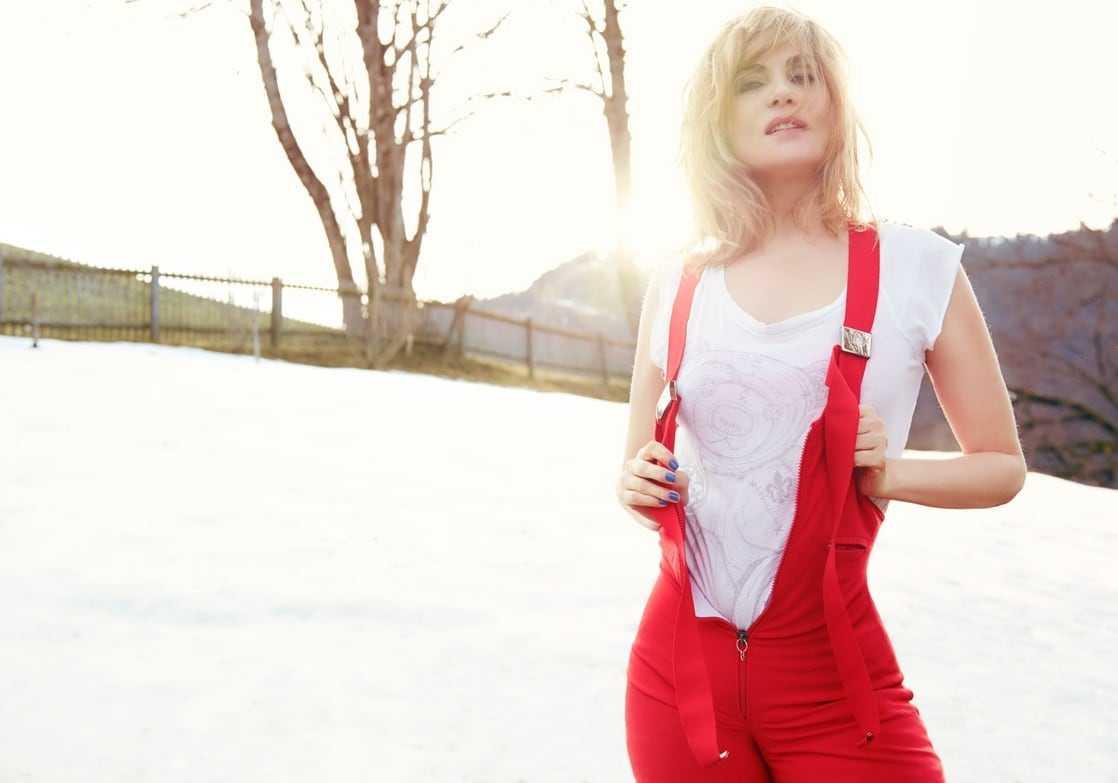 Emmanuelle Seigner hot look