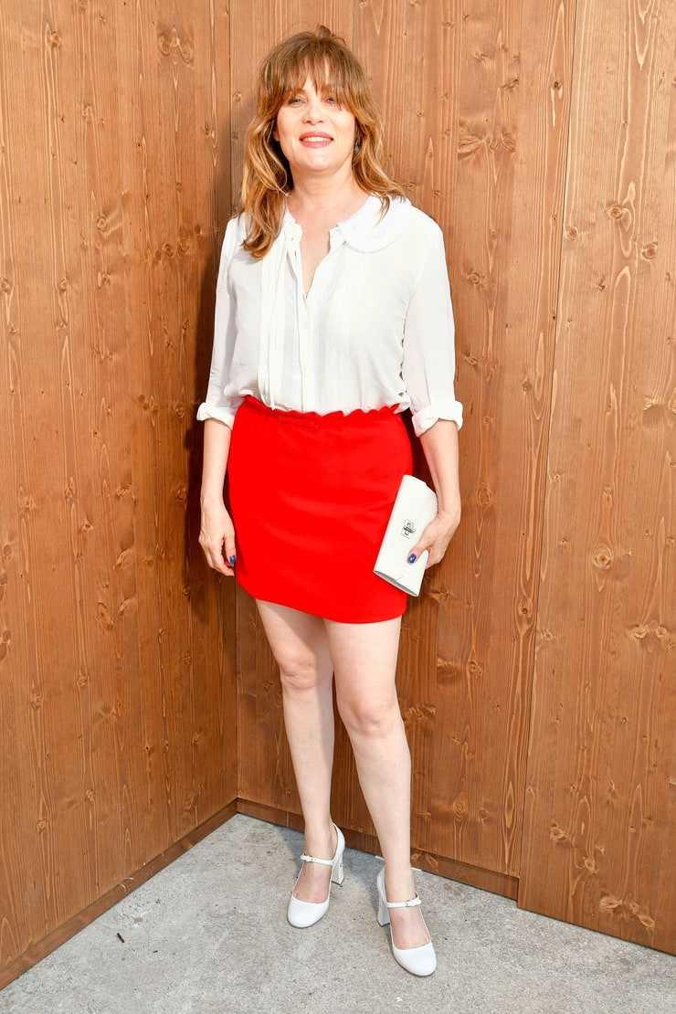 Emmanuelle Seigner sexy legs