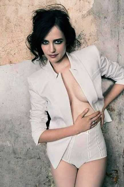 Eva Green cleavage