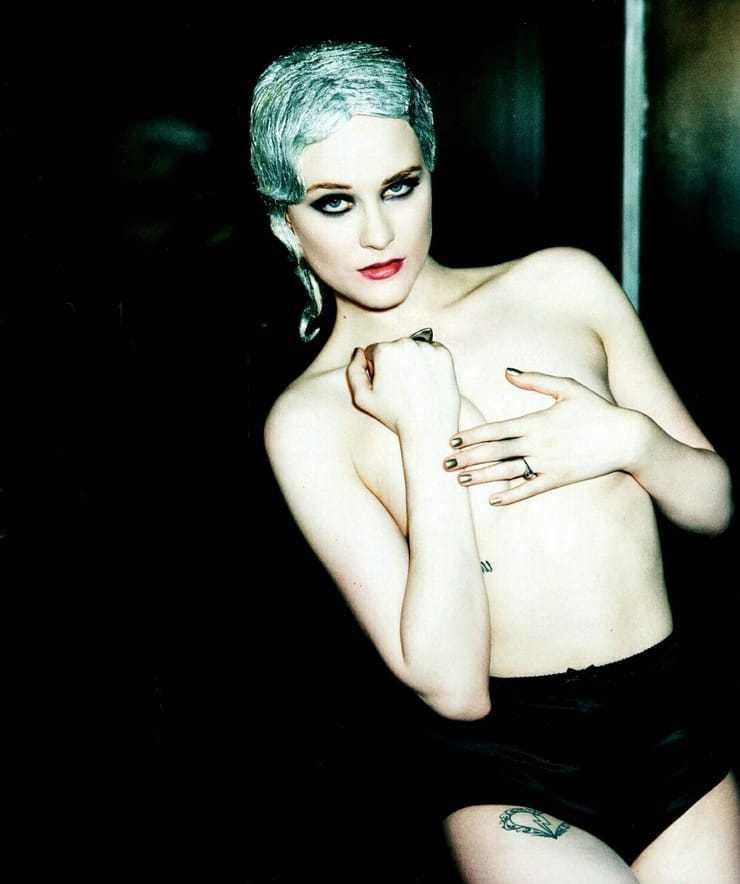 Evan Rachel Wood topless pic