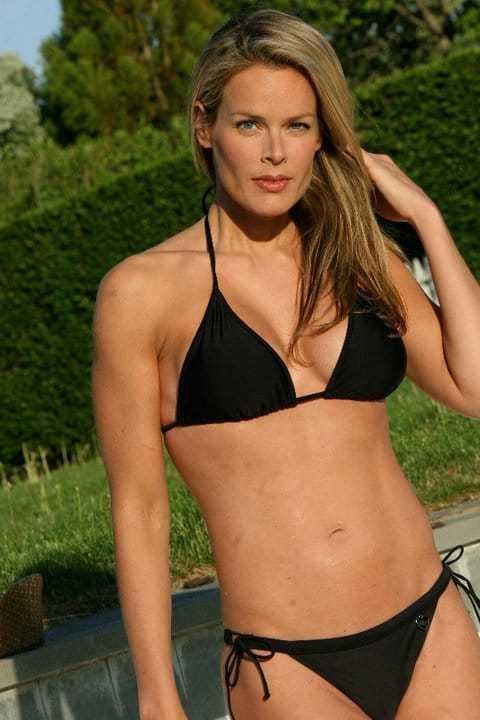 Heidi Albertsen black bikini pic