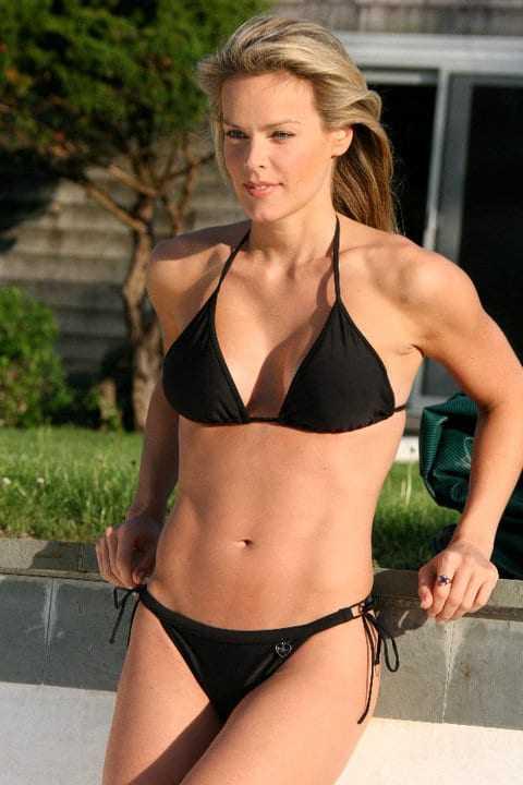 Heidi Albertsen sexy bikini pic