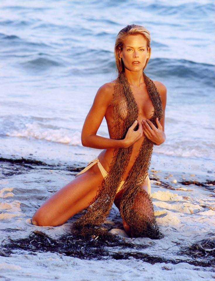 Heidi Albertsen topless pic
