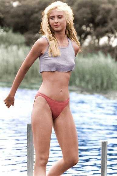 Helen Slater sexy pictures